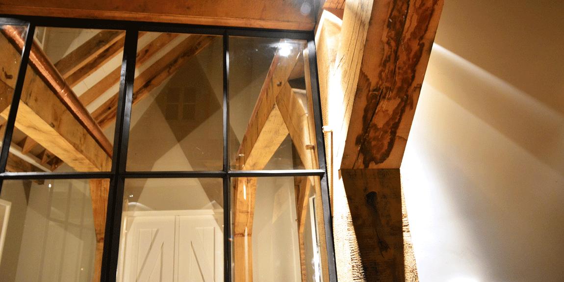 De deuren verdwijnen tussen twee muren om rust te behouden.