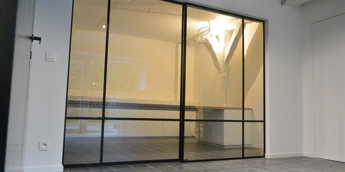 Stalen schuifdeur in Waver, roomdivider met schuifsysteem, gerealiseerd door StalenDeurenHuys