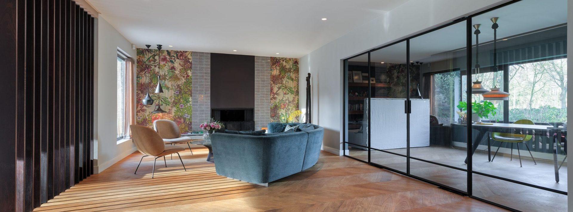 stalen deuren op maat, taatsdeuren in moderne villa gerealiseerd door StalenDeurenHuys