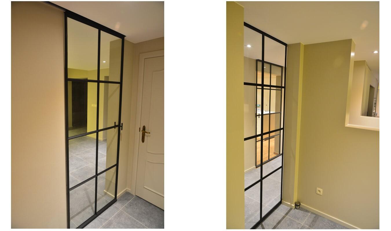 Door deze deuren wordt de hal verbonden met de woonkamer.