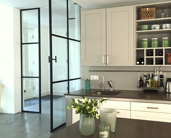 Stalen taatsdeur, Moderne vlakverdeling, Moderne deur, Roomdivider
