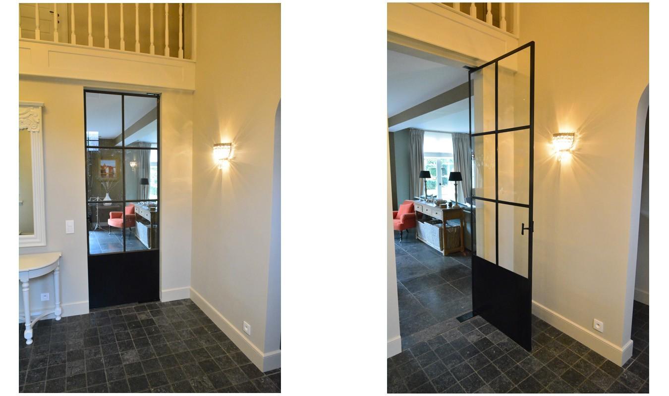Stalen glazen deur op maat in klassieke woning gerealiseerd door Stalen Deuren Huys
