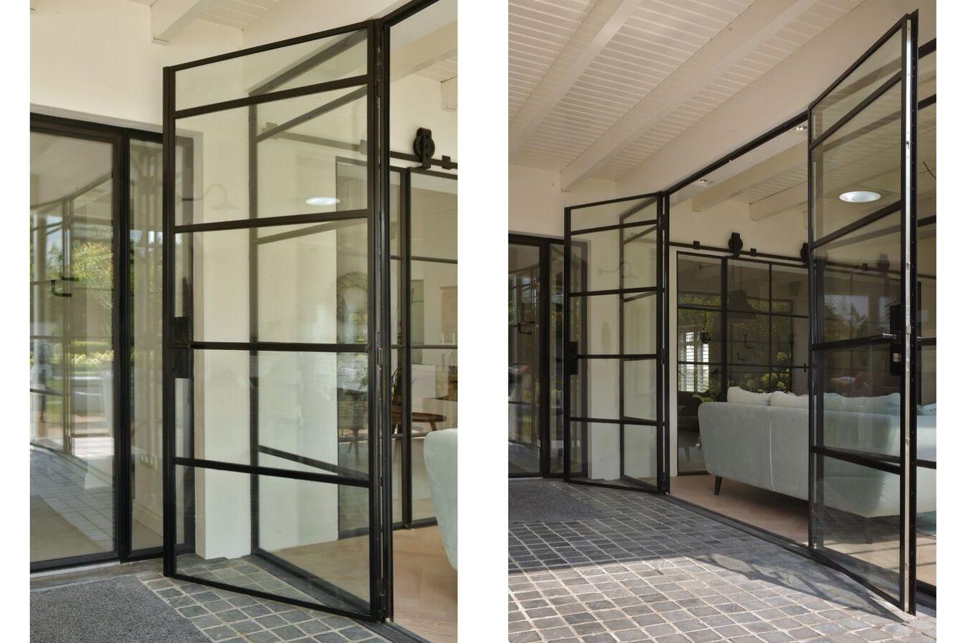 Stalen buitendeuren in showroom StalenDeurenHuys - realisatie StalenDeurenHuys - specialist in stalen binnen- en buitendeuren