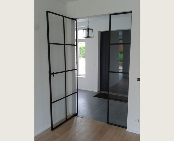 stalen taatsdeur, project Wolvertem, realisatie door stalendeurenhuys, stalen deuren
