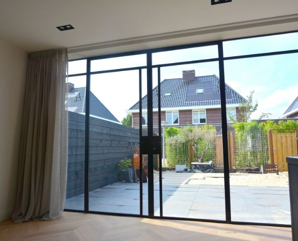 stalen buitendeuren in Tiel gerealiseerd door StalenDeurenHuys