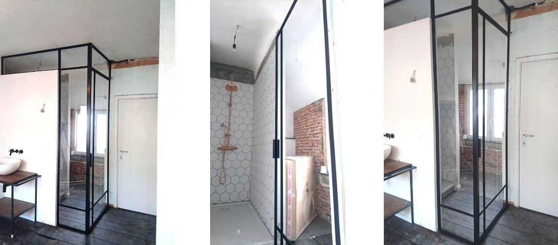 pivotdeur in badkamer - stalen taatsdeur in badkamer - stalen deur in badkamer - StalenDeurenHuys