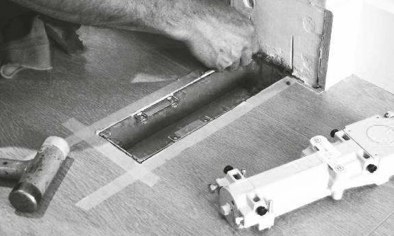 inmeten vloerpot stalen deur