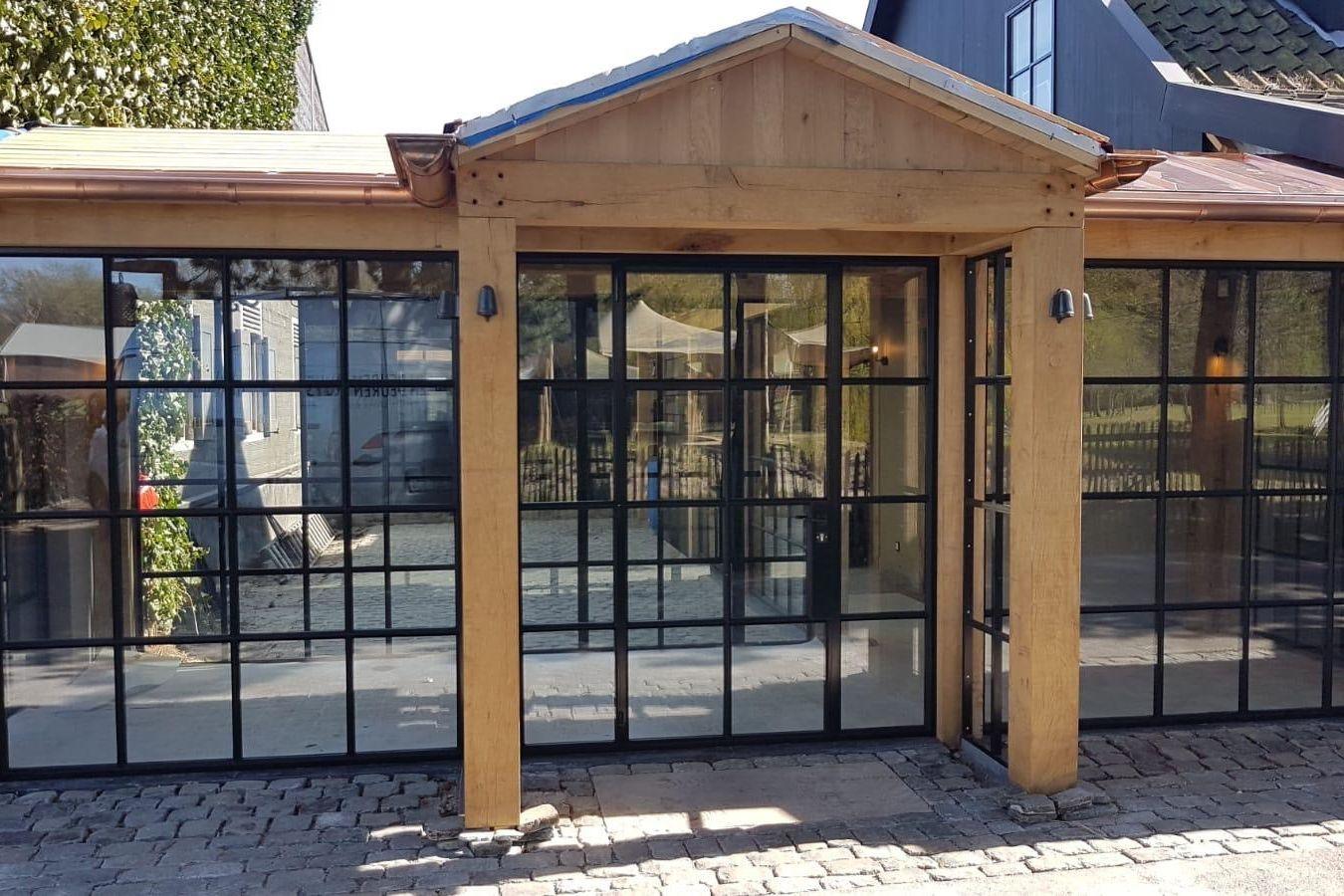 stalen deuren met glas in restaurant Het Ruiterhuys - StalenDeurenHuys