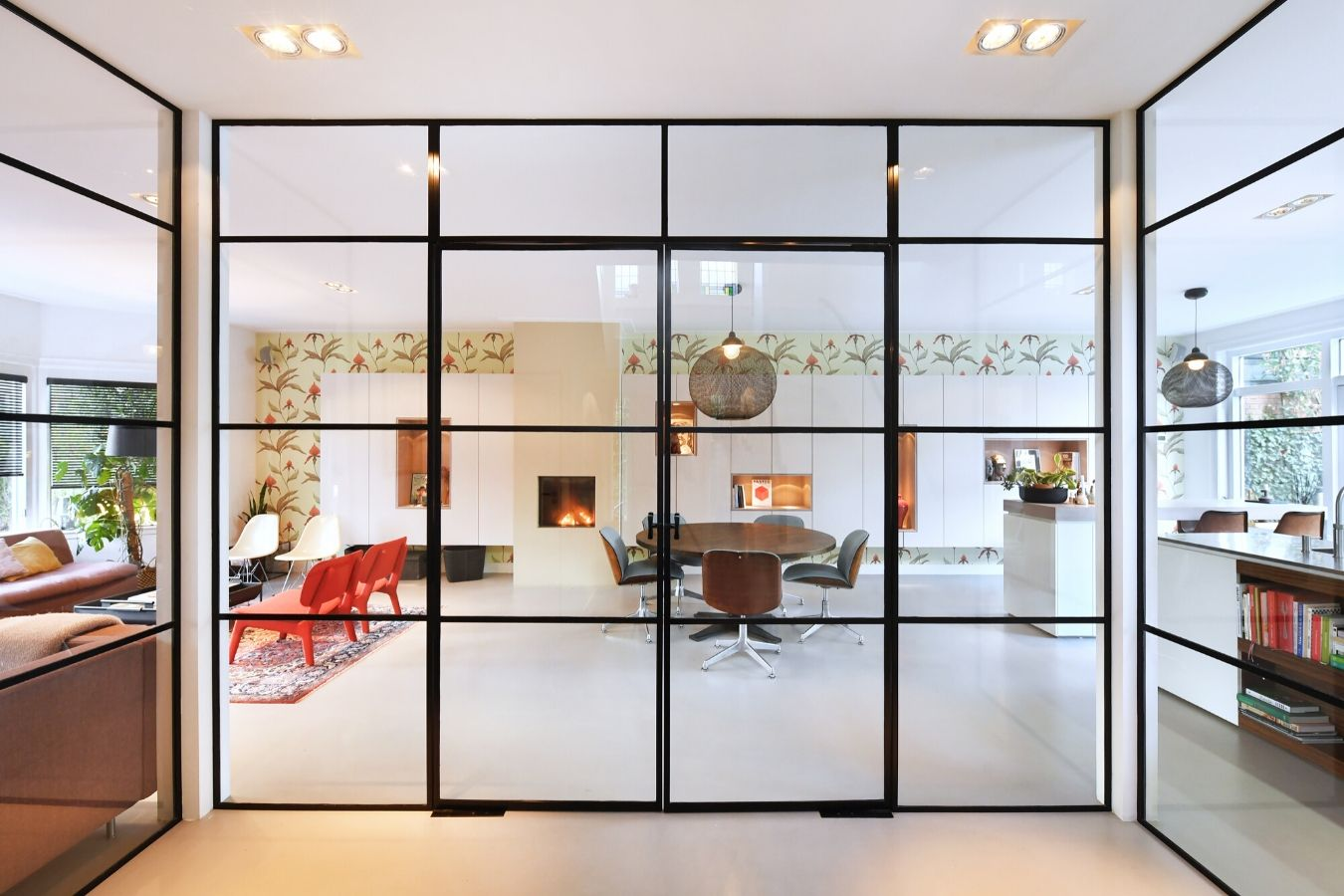 minimalistische stalen binnen puien in Zeist - stalen deuren op maat StalenDeurenHuys