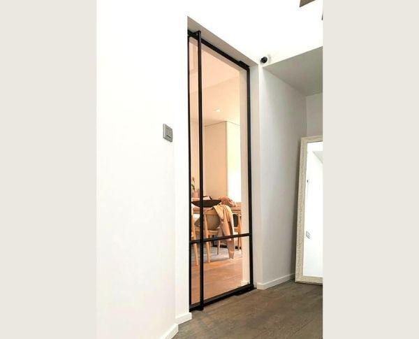 enkele taatsdeur, enkele pivotdeur met glas